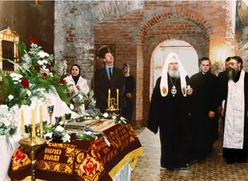 Посещение храма Святейшим патриархом Алексием II в 2000 году